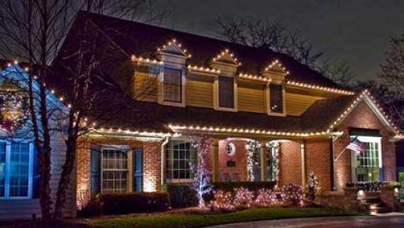 residential-christmas-light-installation3sm-570x321